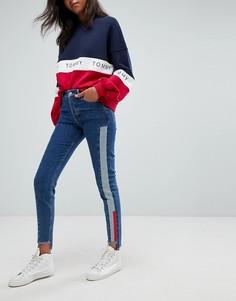 Узкие джинсы с завышенной талией и контрастной отделкой Tommy Jeans - Синий