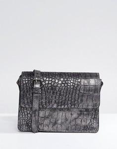 Сумка металлик с эффектом крокодиловой кожи и ремешком через плечо Pieces - Серый