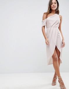 Платье миди на одно плечо из атласа ASOS - Розовый