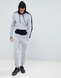 Серый спортивный костюм зауженного кроя в стиле колор блок boohooMAN - Серый