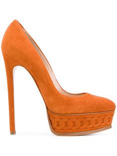 туфли-лодочки на платформе с изображением цепочки Casadei