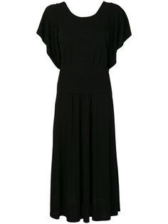 струящееся платье с прорезью на спине Nº21