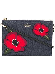 джинсовый клатч с цветочной вышивкой Kate Spade