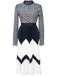 плиссированное платье дизайна колор-блок Self-Portrait