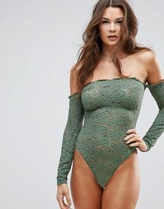 Боди с кружевом, длинными рукавами и открытыми плечами ASOS - Зеленый