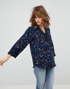Блузка с принтом карпов кои Monki - Синий
