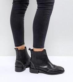 Кожаные ботинки челси с заклепками для широкой стопы ASOS ALMA - Черный