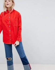 Красная джинсовая рубашка oversize с контрастными строчками ASOS - Красный