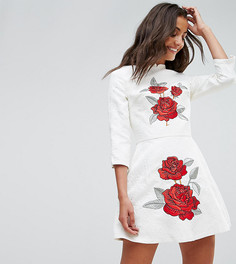 Жаккардовое платье мини с вышивкой Chi Chi London Tall - Белый