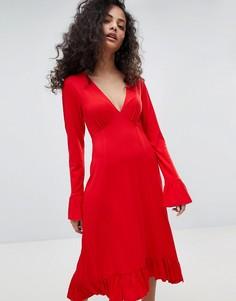 Чайное платье миди с оборками на манжетах ASOS - Красный