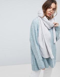 Широкий шарф крупной вязки с добавлением шерсти Weekday - Серый