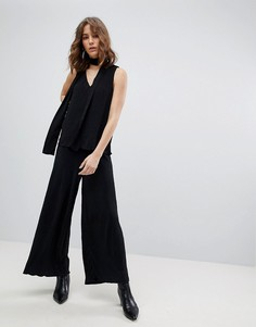Укороченные брюки плиссе Selected Femme - Черный