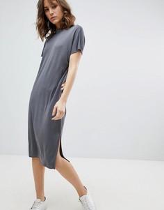 Платье-футболка в стиле oversize Selected Femme - Серый
