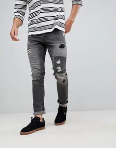 Узкие джинсы с рваной отделкой и нашивками Only & Sons - Серый