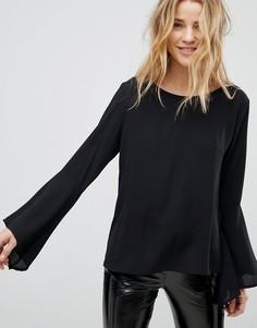 Блузка с рукавами клеш Boohoo - Черный
