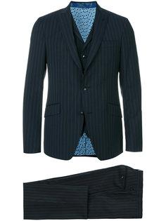 деловой костюм-тройка в полоску Etro