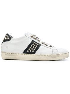 кроссовки со шнуровкой и заклепками Leather Crown