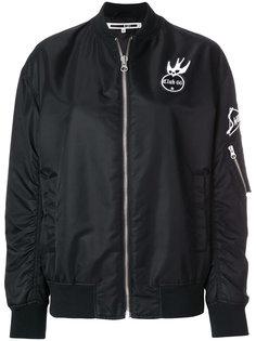 куртка-бомбер с нашивками McQ Alexander McQueen