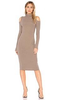 Облегающее платье с открытыми плечами tiff - sen