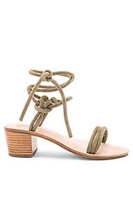 Сандалии на каблуке emma - Sol Sana
