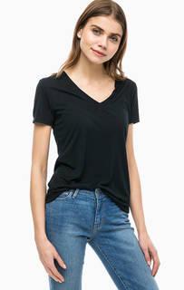 Базовая футболка с глубоким вырезом Levis®