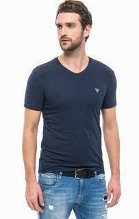 Синяя хлопковая футболка с треугольным вырезом Guess