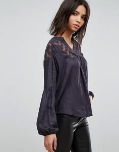 Блузка с кружевными вставками b.Young - Черный
