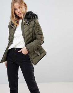 Дутая куртка с капюшоном QED London - Зеленый