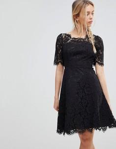 Короткое приталенное платье из кружева Glamorous - Черный