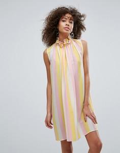 Свободное платье в полоску с присборенным высоким вырезом Traffic People - Мульти