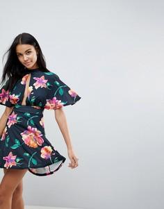 Короткое приталенное платье с цветочным принтом и чокером Love - Мульти