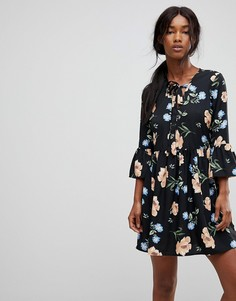 Свободное платье с цветочным принтом и завязкой Influence - Черный