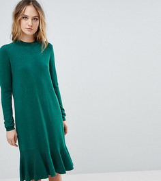 Трикотажное платье с оборкой Y.A.S Tall - Зеленый