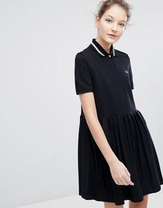 Платье-поло из пике с плиссировкой Fred Perry - Черный