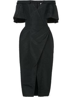 платье с открытыми плечами и сборками  Carolina Herrera