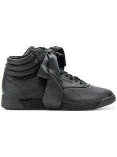 кроссовки Freestyle Hi Satin Bow Reebok