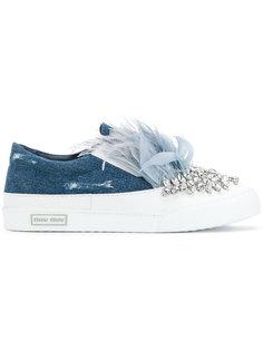 джинсовые кроссовки декорированные кристаллами и перьями Miu Miu
