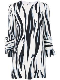 платье шифт с тигровым принтом Victoria Victoria Beckham