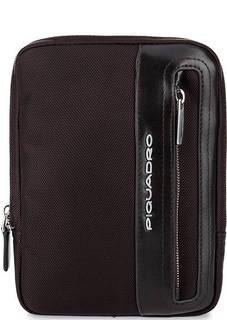 Маленькая текстильная сумка коричневого цвета Piquadro
