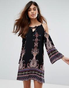 Платье мини с вырезами на плечах Love & Other Things Boho - Черный