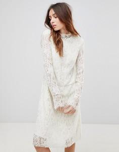 Кружевное платье с высоким воротом See U Soon - Кремовый