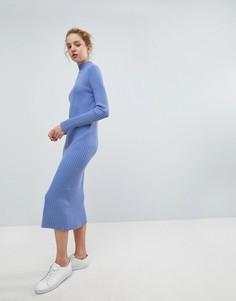 Вязаное платье миди в рубчик Weekday - Синий