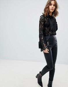 Кружевная блузка с рюшами на кокетке Unique 21 - Черный