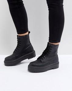 Ботинки на толстой подошве со шнуровкой ASOS ATTITUDE - Черный
