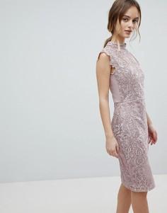 Облегающее кружевное платье с высоким воротом Lipsy - Розовый