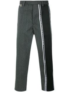 укороченные брюки в полоску Oamc