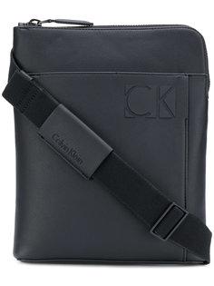 маленькая сумка на плечо Calvin Klein