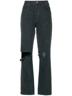 состаренные джинсы с брызгами краски  Re/Done