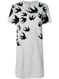 платье-футболка с принтом ласточек  McQ Alexander McQueen