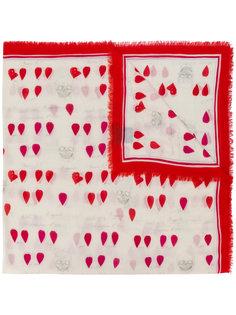 шарф с принтом лепестков Alexander McQueen